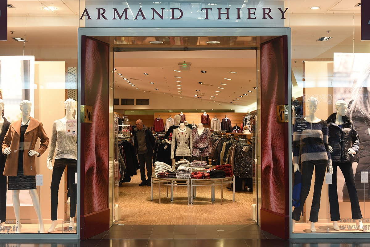 626f8e5bbf38d7 Armand Thiery Femme - Shopping Centre Carrefour Cité Europe